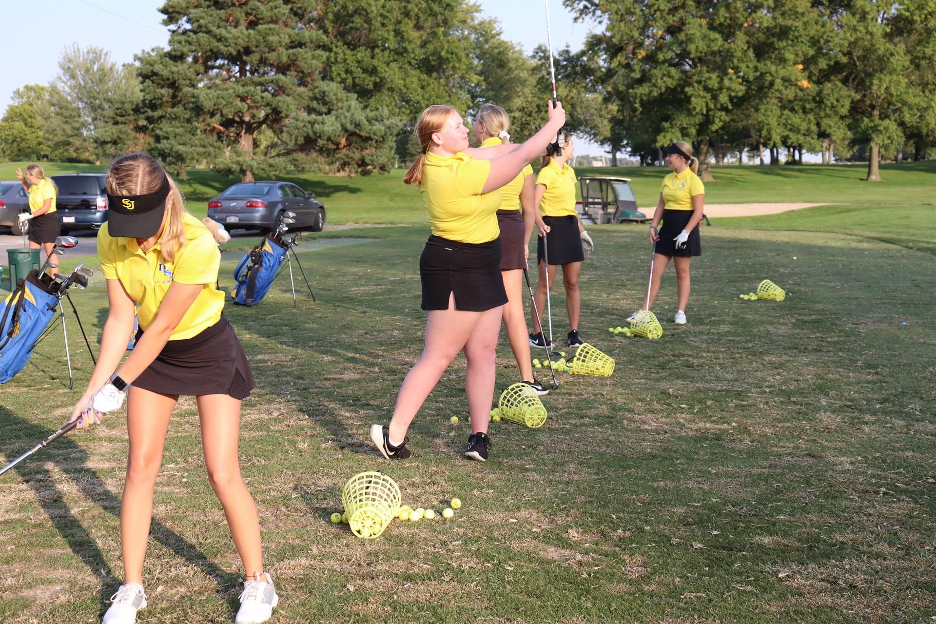 Varsity Girls Golf